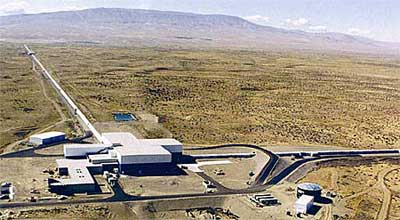 Ariel view of the LIGO Hanford Observatory; the long wings contain the interferometer beams. (photo by Gary White, courtesy of LIGO Laboratory)