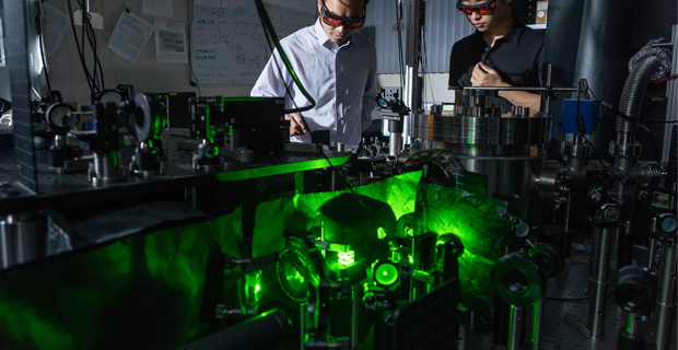 Record-Breaking Rotation! <br />How do you get something to spin at sixty BILLION RPM? Lasers, of course! Look inside a lab where physicists are pushing the boundaries of what's possible.